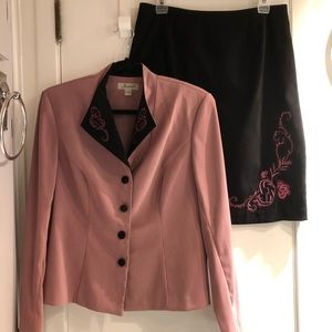 Jessica Dusty Rose / Black Suit -LIKE NEW -size 12